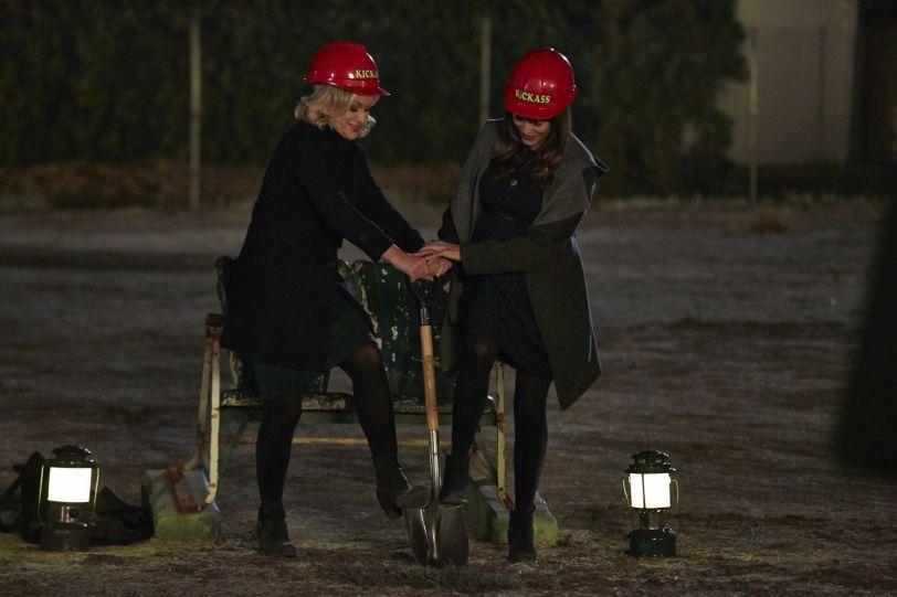 Goodbye, Ann Perkins (2)